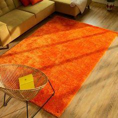 Tom Tailor Teppich Soft in Orange Orange Carpet, Orange Rugs, Modern Headboard, Headboard And Footboard, Pink Pillows, Toss Pillows, Pink Rugs, Sofa Design, Chinoiserie
