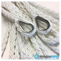 Eight strand mooring rope with eyesplices and stainless steel timbles #sailing #sailingyacht #yacht #rigging #premium #ropes #premiumropes #webstore #ropeonline #mooring #boat #splicing