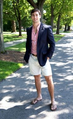 I love male feet Preppy Men, Preppy Style, Sharp Dressed Man, Well Dressed, Men's Fashion, Fashion Photo, Just Beautiful Men, Casual Wear For Men, Mens Flip Flops