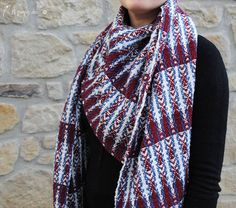 Handwoven scarf by Atelier Faggi Italy - #weaving #weaving-techniques #handweaving #atelierfaggi