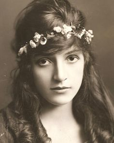 Miriam Cooper.. silent film actress with pouty brown eyes