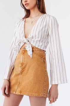 Slide View: 1: UO Tie-Front Striped Cropped Top