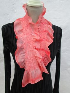 Nuno felt short scarf pink/coral