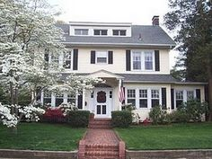 1920's center hall colonial