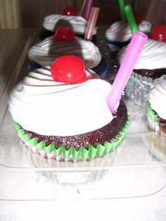 Rootbeer Float Cupcake Cake