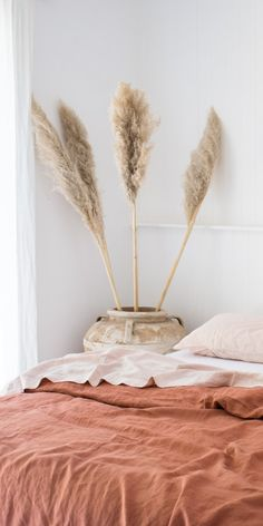 Desert Rose & Blush French linen bedding is the most beautiful combination with the dusty pink tones in both colours. Neutral Bed Linen, Black Bed Linen, Ikea, Bedding Master Bedroom, Bedroom Decor, Bedroom Inspo, Pottery Barn, Deco Nature, Bed Linen Design