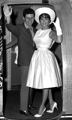 1961 … Leaving for Hollywood with husband Eddie Fisher after a visit to Moscow