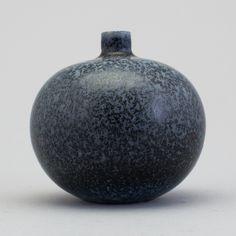 CARL-HARRY STÅLHANE Rörstrand, 1950-60-tal. The Potter's Hand, Pottery Designs, When I Grow Up, Nordic Design, Handmade Ceramic, Midnight Blue, Ceramic Art, Tea Pots, Amanda