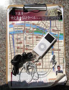 (財)大阪観光コンベンション協会が実施している「大阪まちあるき 音声観光ウォーキング」というのがある。ネットから音声ガイドをipodにダウンロードして、それを要所で聴きながらガイドマップに沿って観光をするというものだ。以前、その中で「真田幸村と大坂の陣~上町台地から大阪城~コース」を楽しんだ。今回は「レトロ浪漫中之島タイムトラベルコース」を歩いてみた。<br />http://www.osaka-info.jp/machiaruki/