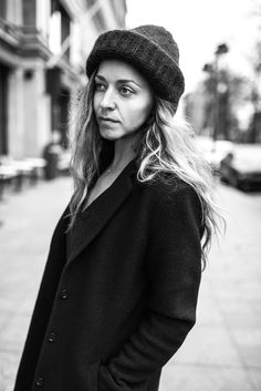 Street style by Stella Harasek | Wool hat by Samuji and black coat by Boomerang | Photo by Jarno Jussila | www.stellaharasek.com