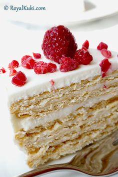 Sadece 15 dakikada hazırlanan; Labneli ve Bisküvili Kolay Yaş Pasta