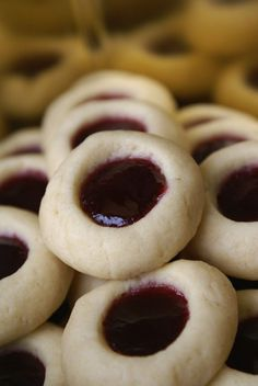Cream Cheese Thumbprint Cookies - Food and drink Chex Mix Recipes, Easy Cookie Recipes, Baking Recipes, Dessert Recipes, Crockpot Recipes, Apple Recipes, Salad Recipes, Breakfast Recipes, Baking Ideas