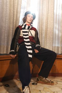 See the complete Andrea Pompilio Fall 2017 Menswear collection.