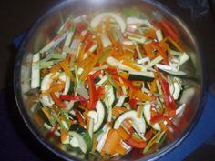 Kasvisten pakastus 2 Caprese Salad, Pasta Salad, Ethnic Recipes, Food, Crab Pasta Salad, Essen, Meals, Yemek, Insalata Caprese