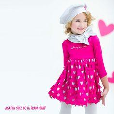 Para eventos especiales, os traemos este precioso vestido con corazones troquelados #AgathaBaby