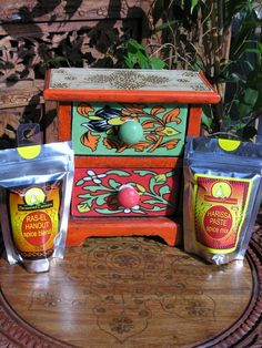 Spice drawer and spice gift set Spice Blends, Spice Mixes, Spice Drawer, Moroccan Lamp, Soft Furnishings, Spice Things Up, Lanterns, Planter Pots, Spices