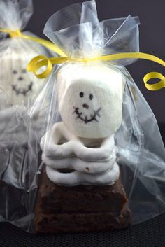 Sweetology: Pinterest Inspired Halloween Crafts & Sweets ~ Memories with my daughter!