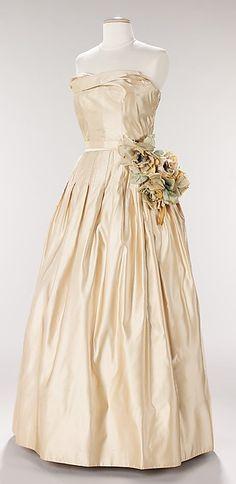 Dress, Evening Attributed to House of Dior,1951 The Metropolitan Museum of Art #retro #vintage #feminine #designer #classic #fashion #dress #highendvintage