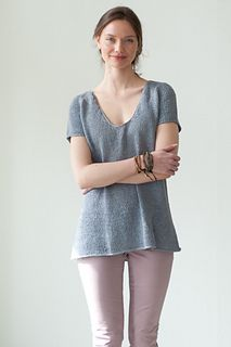 Another linen tee to love- by Hannah Fettig. Looks cool and relaxed.