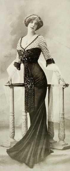 Les Modes (Paris), Robe de Diner, 1909 // by Redfern 1900s Fashion, Edwardian Fashion, Vintage Fashion, Edwardian Era, Edwardian Dress, French Fashion, Retro Fashion, Retro Mode, Vintage Mode