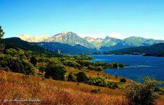 Parco Gran Sasso e Monti della Laga LAGO DI CAMPOTOSTO Abruzzo - Italia