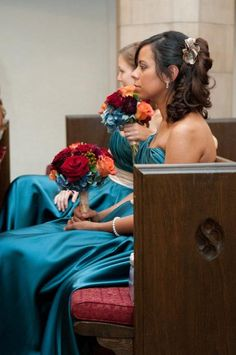 An autumn wedding blending teal with more typical warm fall colors