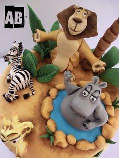 Torta Madagascar Personajes Madagascar cake.