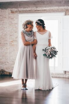Never too old to be mama's girl ❤️👯 Tap the link in bio for all the mother-of-the-bride duties your mom needs to know! Old Mother, Mother Of The Bride, Wedding Blog, Wedding Styles, Mothers Dresses, Bridesmaid Dresses, Wedding Dresses, Mom, Instagram Posts