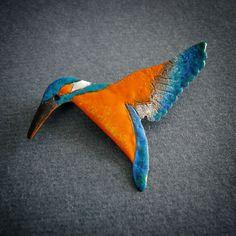Kingfisher brooch by Justyna Krupkowska