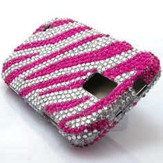 The pink zebra bling hard case snap on cover for the Samsung Galaxy S2 Hercules T-Mobile is a very stylish cover case that brings the shine out on your Galaxy S2! Very affordable and we also have a variety of different bling designs. With tiny beads attached one by one this cover case will keep your phone protected from scratches and scuffs.