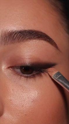 Bronze Eye Makeup, Edgy Makeup, Makeup Eye Looks, Eye Makeup Steps, Eye Makeup Art, Eyebrow Makeup, Simple Makeup, Eyeshadow Makeup, Eyeshadow Palette