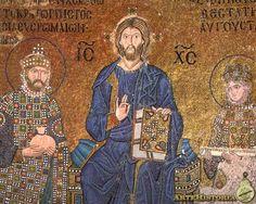 SANTA SOFÍA DE CONSTANTINOPLA. Cristo recibe presentes del emperador Constantino Monómaco y su esposa Zoe. Es anterior al mosaico de Juan II e Irene.