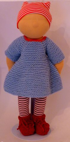 The dress FRIEDA is a beautiful dress for dolls size 12-16 inches. Shape and style can be adapted easily to other sizes and styles, seamless top down