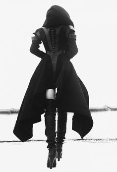 ・・・ Fall winter 2016 -Wool coat with intricate leather details, a dramatic hood with extended side drape . In store or on our website. Gothic Outfits, Grunge Outfits, Girl Outfits, Fashion Outfits, Super Hero Outfits, Super Hero Costumes, Dark Fashion, Gothic Fashion, Medieval Fashion