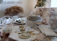 Fabulous, creative and beautiful woodland table setting from Cabin & Cottage (Archive): Woodsy Buffet