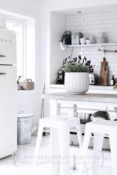 total white (via Inspiring Interiors / <3)