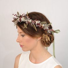 A beautiful crown made of natural dried flowers, for a woodland wedding or outdoor one. It's just lovely! By VelvetTeacup on Etsy Wedding Table Flowers, Flower Crown Wedding, Wedding Headband, Wildflower Centerpieces, Bush Wedding, Australian Native Flowers, Flower Headpiece, Woodland Wedding, Rustic Wedding