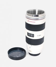 CANON EF70-200 MM F/2.8 lens mug. Behold! This is not a real lens, but a replica of canon lens made of PVC plastic and functions as a glass. This unique piece is a must, with a looks that really resemble the real lens. http://zocko.it/LCxzO