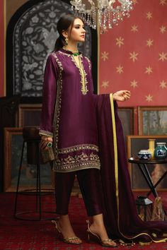 Fancy Dress Design, Stylish Dress Designs, Stylish Dresses, Simple Dresses, Pakistani Formal Dresses, Pakistani Bridal Dresses, Pakistani Dress Design, Indian Designer Outfits, Indian Outfits