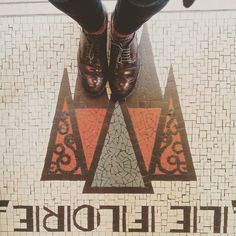 Mountains & sparkly socks.  #lecarrelagedepaule  #ihavethisthingwithfloors #tiles #tileaddiction #mosaic #fromwhereistand #paris #heschung #myheschung #explore #vsco #vscocam by paule_henriette