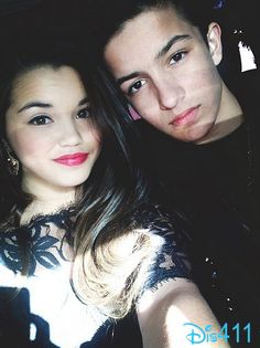 """Photo: Paris Berelc And Aramis Knight Attended The """"Divergent"""" Premiere"""