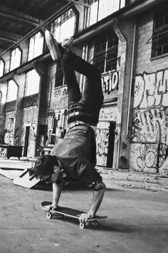skate | handstand | old school | ware house | concrete | street skater | graffiti
