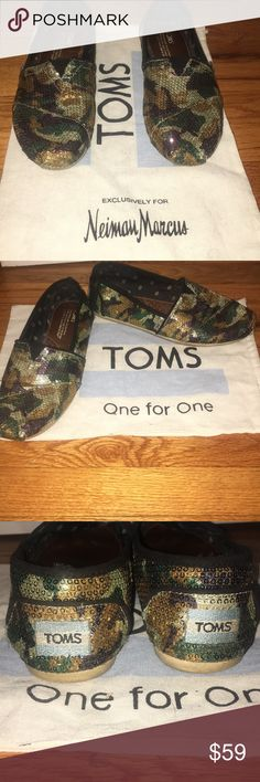 ❣️TOMS Camouflage Classics Exclusives🌟 TOMS Camouflage Classics Exclusively For Neiman Marcus  Gently worn w/love see pics!!  Comfy, chic, and fabulous🌸❣️🌟💫  Original shoe dust bag shown picture included!!   Fast shipping📦 Toms Shoes Sneakers