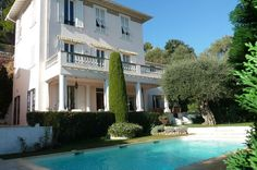 Villa rental St Jean Cap Ferrat Stunning 6 bedroom property, minutes from the sea, ideally situated between St Jean Cap Ferrat and Beaulieu sur mer, both 10 minutes walk away on the seafront path, chemin du Rouvier.