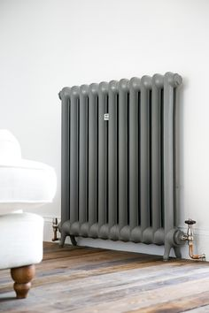 Duchess cast iron radiator painted in Farrow and Ball's Moles Breath – hallway Victorian Terrace House, Victorian Homes, Bedroom Radiators, Painting Radiators, Copper Bed Frame, Victorian Radiators, Cast Iron Radiators, Painted Radiator, Houses
