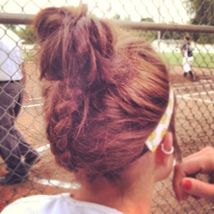 another pic of my pineapple braid messssssy bun combo :p
