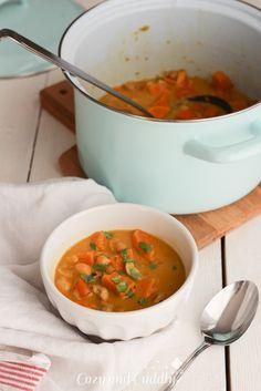 Schnell und lecker: Süßkartoffel-Kichererbsen Curry mit Cashew-Kernen   cozy and cuddly