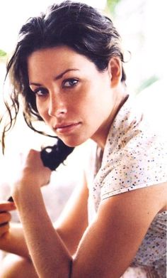 Picture of Evangeline Lilly Evangeline Lilly Bikini, Nicole Evangeline Lilly, Beautiful Celebrities, Beautiful Actresses, Beautiful Women, Canadian Actresses, Actors & Actresses, Lily Images, Monica Belluci