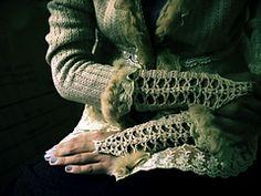 Ravelry: Lace Up! pattern by Fatima