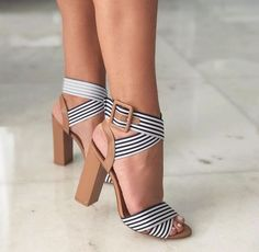 19 Stunning Vans Shoe Ideas - Sandals Shoes - Ideas of Sandals Shoes - Prodigious Diy Ideas: Embroidery Shoes Diy shoes boots toms. Prom Shoes, Wedding Shoes, Crazy Shoes, Me Too Shoes, Steve Madden Schuhe, Women's Shoes, Shoe Boots, Golf Shoes, Dress Shoes